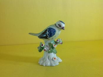 A Derby small model of a Blue Tit
