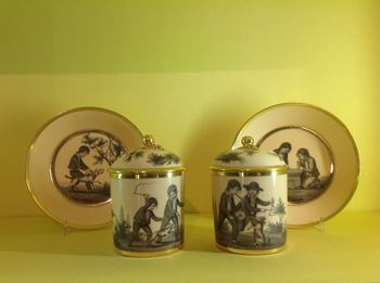 An exceptionally fine pair of Paris Porcelain chocolate cups, covers and stands