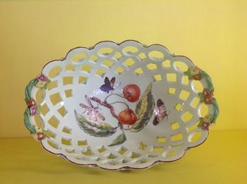 A Derby pierced oval basket