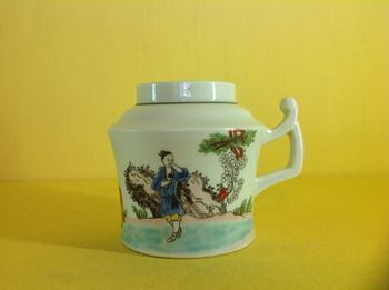 A rare Worcester wet mustard pot