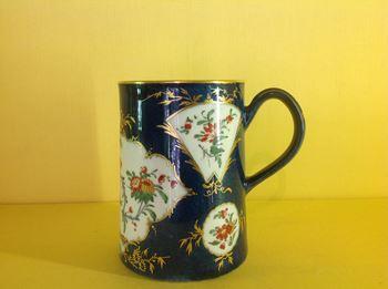 A rare Worcester cylindrical mug