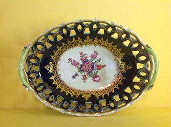 A Worcester pierced oval basket