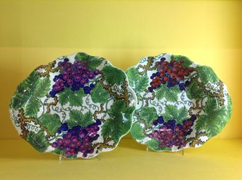 A pair of Spode pearlware shell shaped dishes