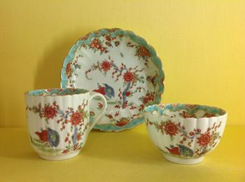 A Worcester tea bowl, coffee cup and saucer