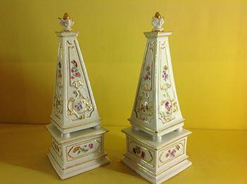 A pair of Meissen obelisks
