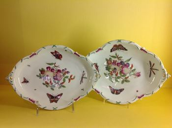 A pair of Chelsea lobed oval dishes