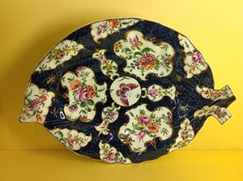 A Worcester cabbage leaf shaped dish