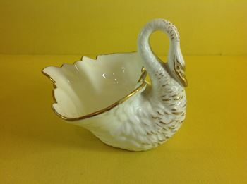 A Grainger and Co, Worcester swan shaped vase
