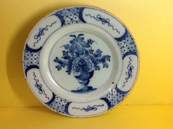 A Dutch Delft plate