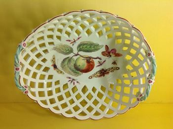 A Derby pierced oval large basket