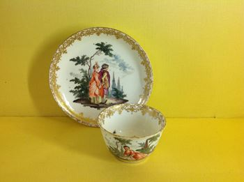 A Meissen small teabowl and saucer
