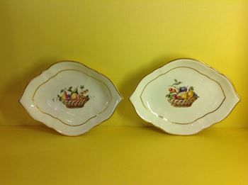 A pair of Derby small quatrefoil shaped dishes
