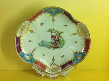 A rare Worcester shell shaped dish