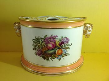 A Derby bough pot and cover