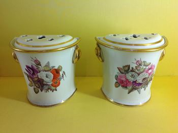 A pair of Davenport small bough pots and covers