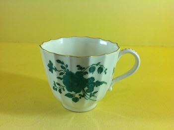 An unusual Worcester coffee cup