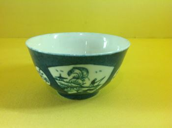 A Worcester tea bowl