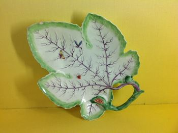 A Worcester leaf shaped dish