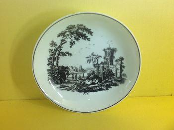 A Worcester saucer