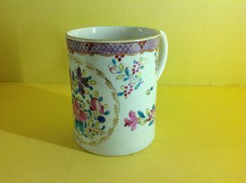 A Worcester cylindrical mug