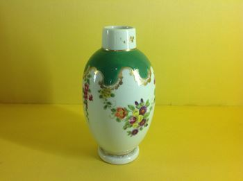 A Worcester tea canister