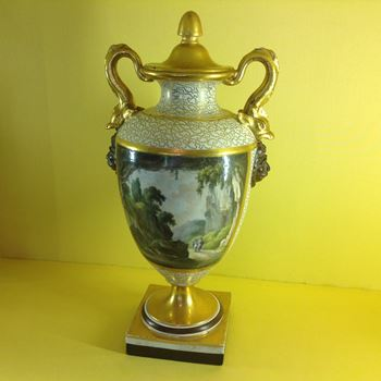 A rare Chamberlain's Worcester large vase and cover