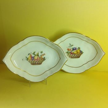 A pair of Derby small lozenge shaped dishes