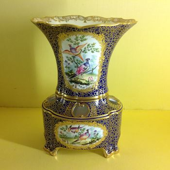 A Minton Vase Hollandaise