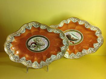 A pair of Chamberlain's Worcester dishes