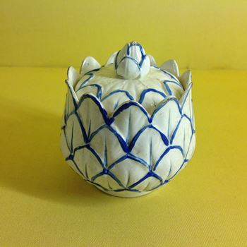 A Wedgwood pearlware custard cup and cover