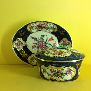 A rare Worcester potted meat tub, cover and stand