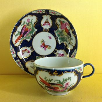 A fine Worcester tea cup and saucer