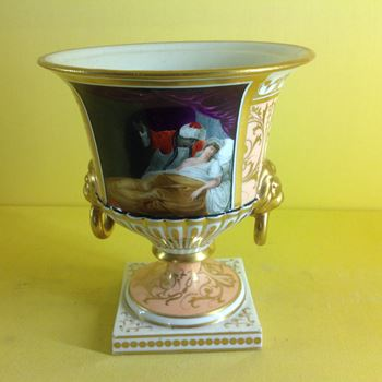 A Chamberlain's Worcester vase