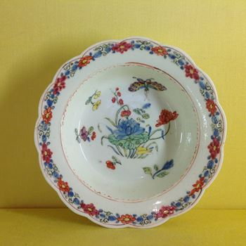 A rare early Bow finger bowl stand