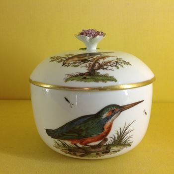 A Meissen sucrier and cover