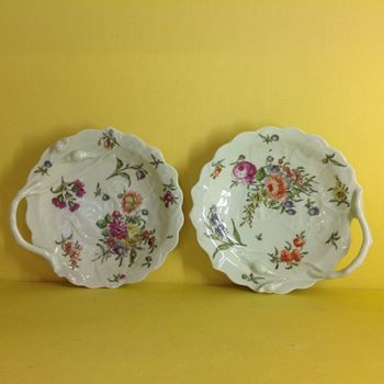A pair of Worcester 'Blind Earl' sweetmeat dishes