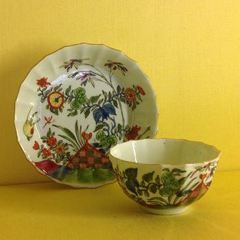 A Worcester tea bowl and saucer