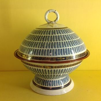 A rare Barr Worcester bowl and cover