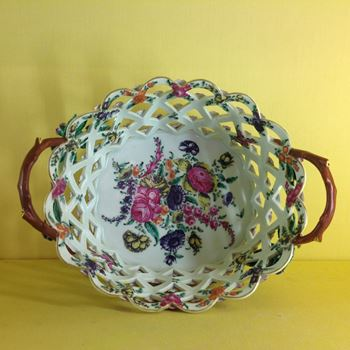 A Worcester yellow ground large basket