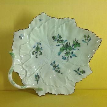 A good Worcester leaf shaped dish