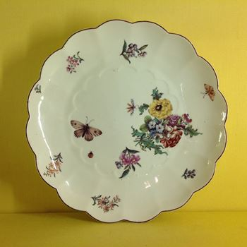 A Chelsea lobed dish
