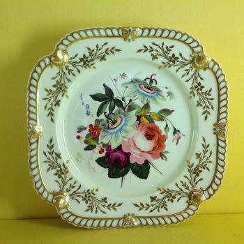 A Chamberlain's Worcester plate