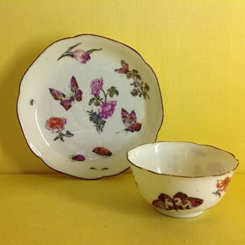 A London decorated Chinese Export tea bowl and saucer