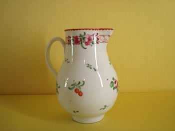 A Bristol sparrow beak milk jug