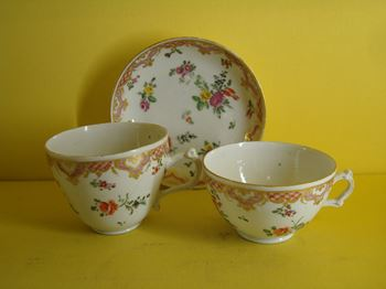 A Bristol teacup, chocolate cup and saucer