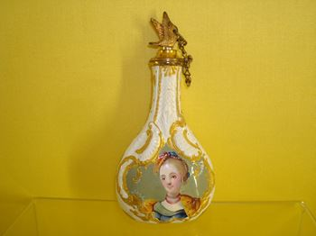 A South Staffordshire enamel scent bottle and stopper