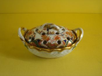 A Spode small pot pourri basket and cover