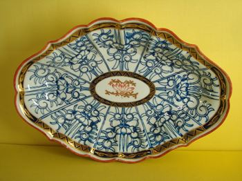 A Worcester fluted oval dish