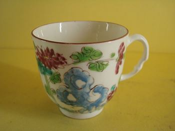 A fine early Bow coffee cup