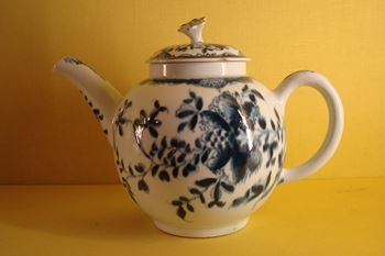 A Lowestoft teapot and cover